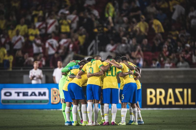 Fotos do amistoso entre Brasil e Peru, em Los Angeles