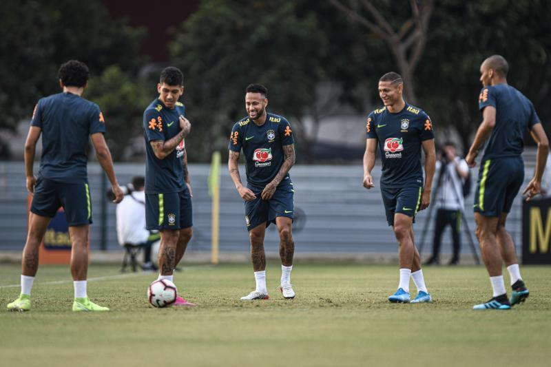 Confira imagens do primeiro dia da Seleção em Singapura