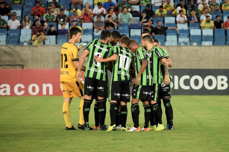Confira fotos de Cuiabá x América-MG pela 35ª rodada da Série B do Campeonato Brasileiro