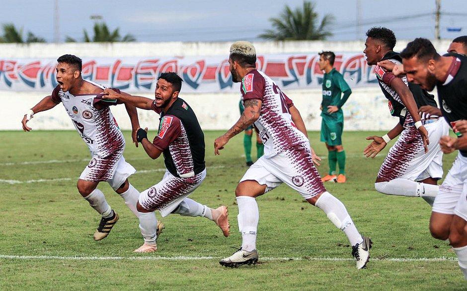 Equipe do Jacuipense comemora gol do acesso (Divulgação / EC Jacuipense)