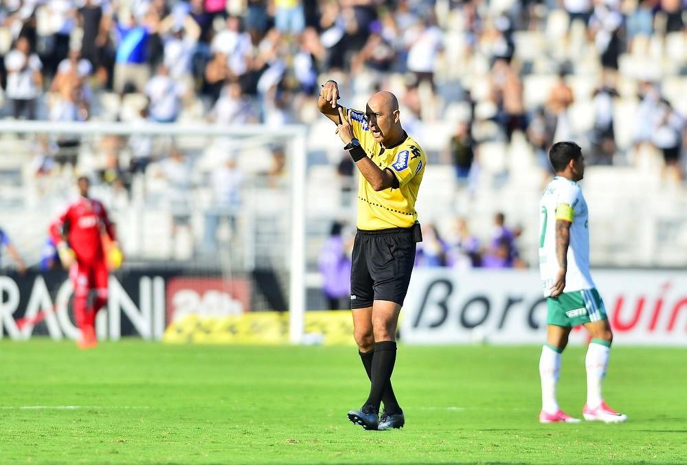 Marcelo Aparecido Ribeiro de Souza será o árbitro da partida de ida das semifinais. (Foto: Marcos Ribolli)