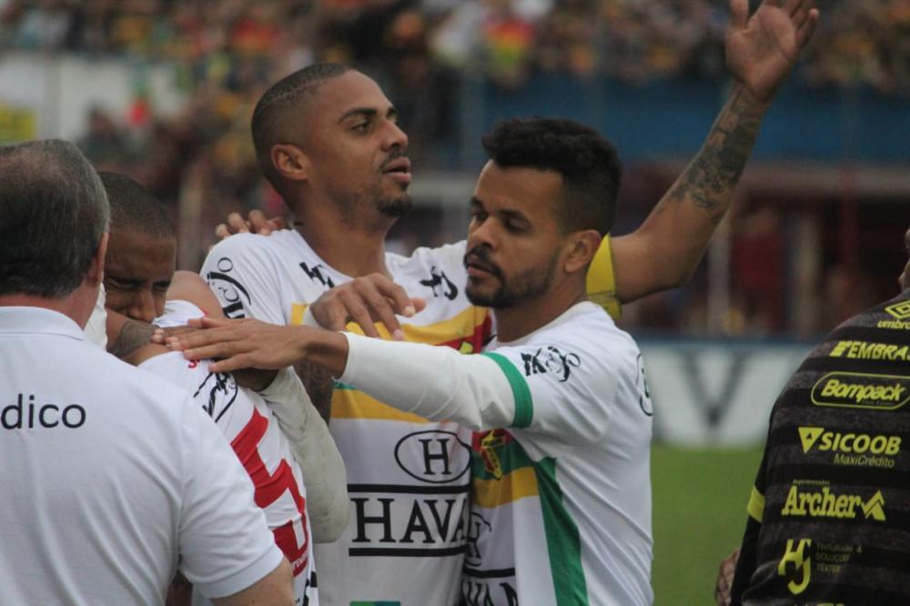 Brusque e Manaus-AM ficam no empate no primeiro jogo da decisão da Série D