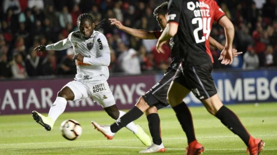 Chará teve boa atuação e marcou um gol na raça para o Galo-(AFP) Foto: LANCE!