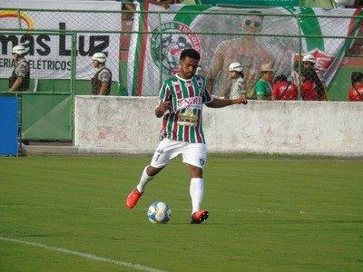 Meia encerra vínculo com Fluminense de Feira