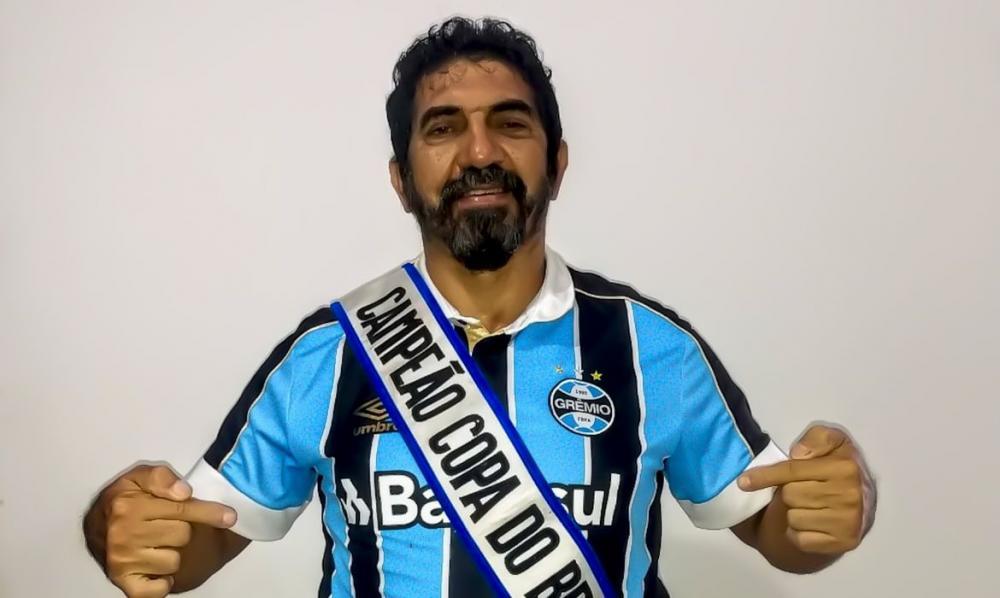 Covid-19: ex-Grêmio vende relíquias para ajudar pessoas mais carentes