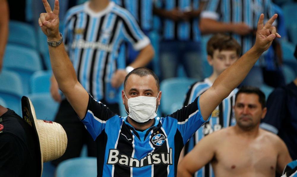 Paixão do brasileiro é coração que cabe mais de um