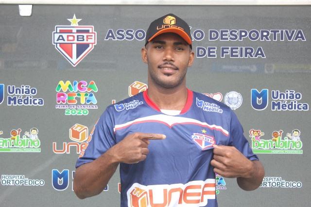 Bahia de Feira contrata atacante Kel Baiano que era titular do rival