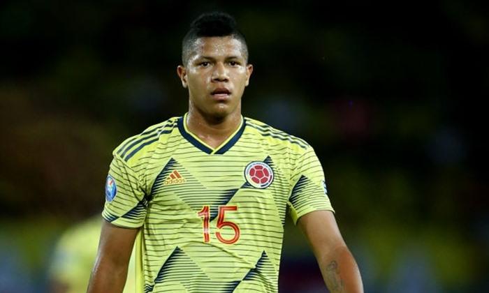 Athletico-PR encaminha a contratação do meia Jaime Alvarado