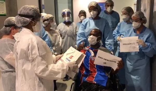 Bahia dá camisa a pacientes que receberem alta de hospital na Fonte Nova