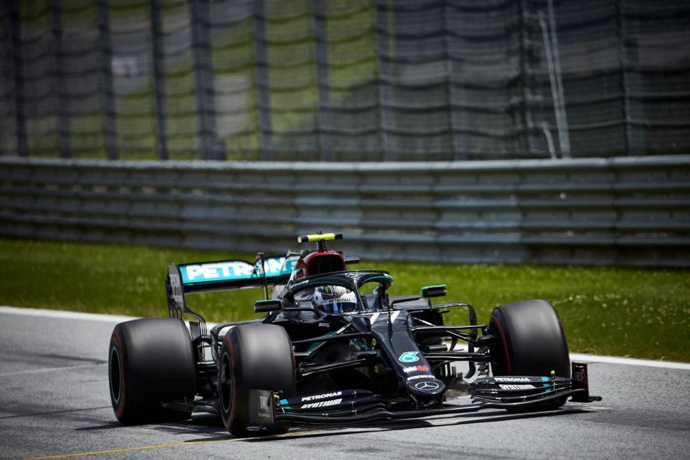 Bottas vence na primeira F1 vazia e marcada por protestos antirracistas