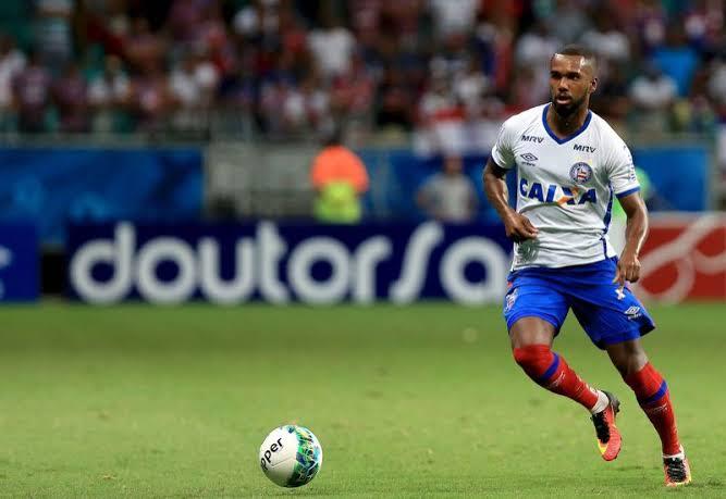 Botafogo está interessado no volante Luiz Antônio, ex-Flamengo