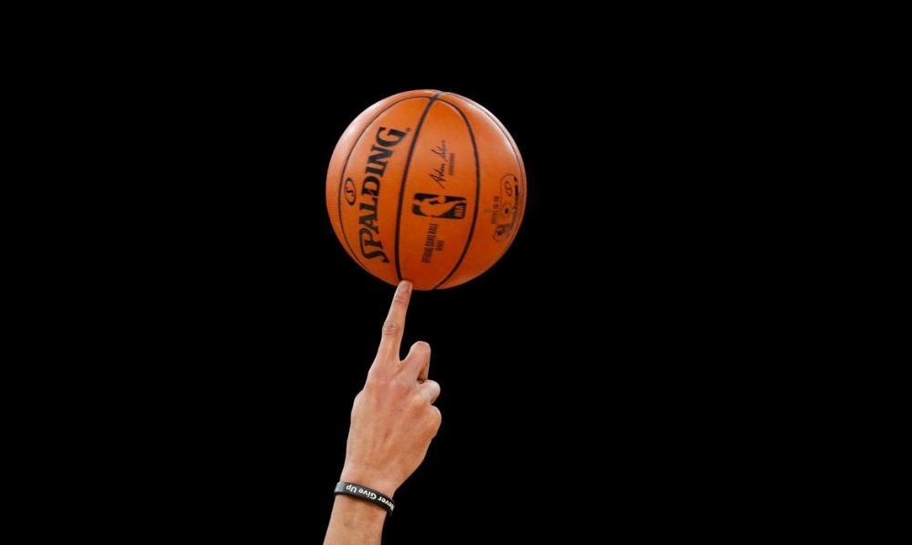 Bucks e Kings fecham instalações após testes positivos por covid-19
