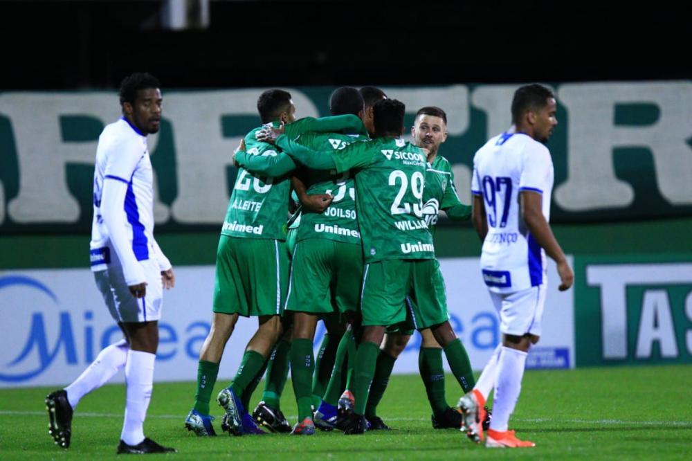 Chapecoense derrota Avaí; Criciúma e Marcílio empatam no retorno do Catarinense