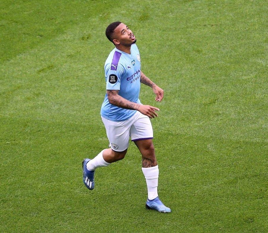 Gabriel Jesus encerra jejum de gols e City goleia Newcastle